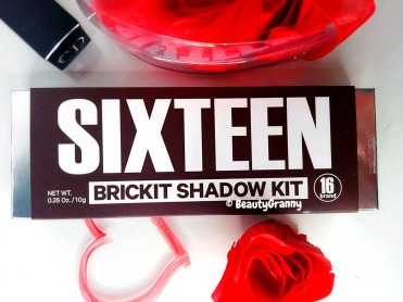 Sixteen Brand 16 Brickit Shadow Hit 10 C